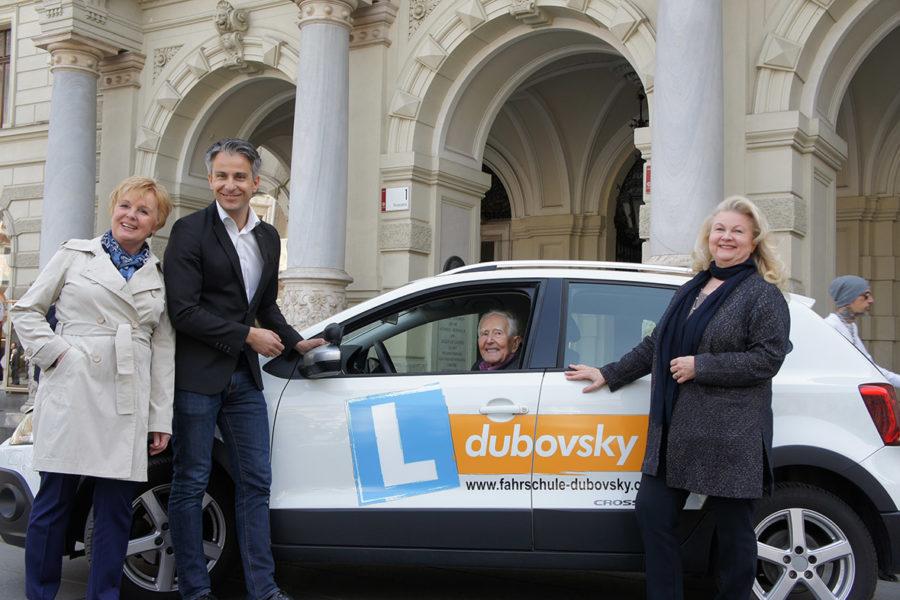 Fahrschule Dubovsky und  Stadt Graz machen SeniorInnen  fit und sicher für den Straßenverkehr