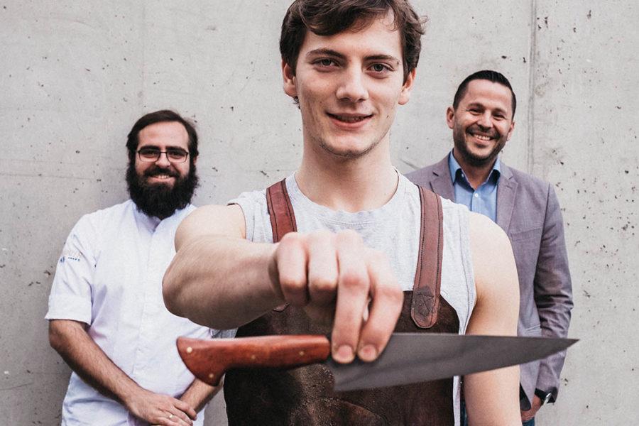 Ungewöhnliche Zusammenarbeit: 3-Haubenkoch holt Messerschmied ins Team