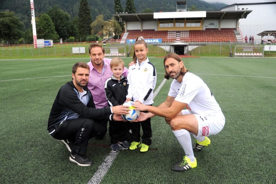 SV Spittal/Drau: Erster Fußballklub Österreichs lässt Meisterschaftsspiele nur noch von Kindern ankicken